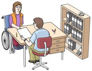 Bild von einer Frau im Rollstuhl in einer Beratungs-Situation